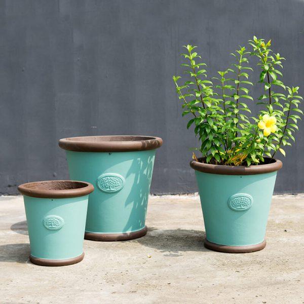 round pot brown blue