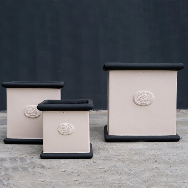 heritage pots square - black pink